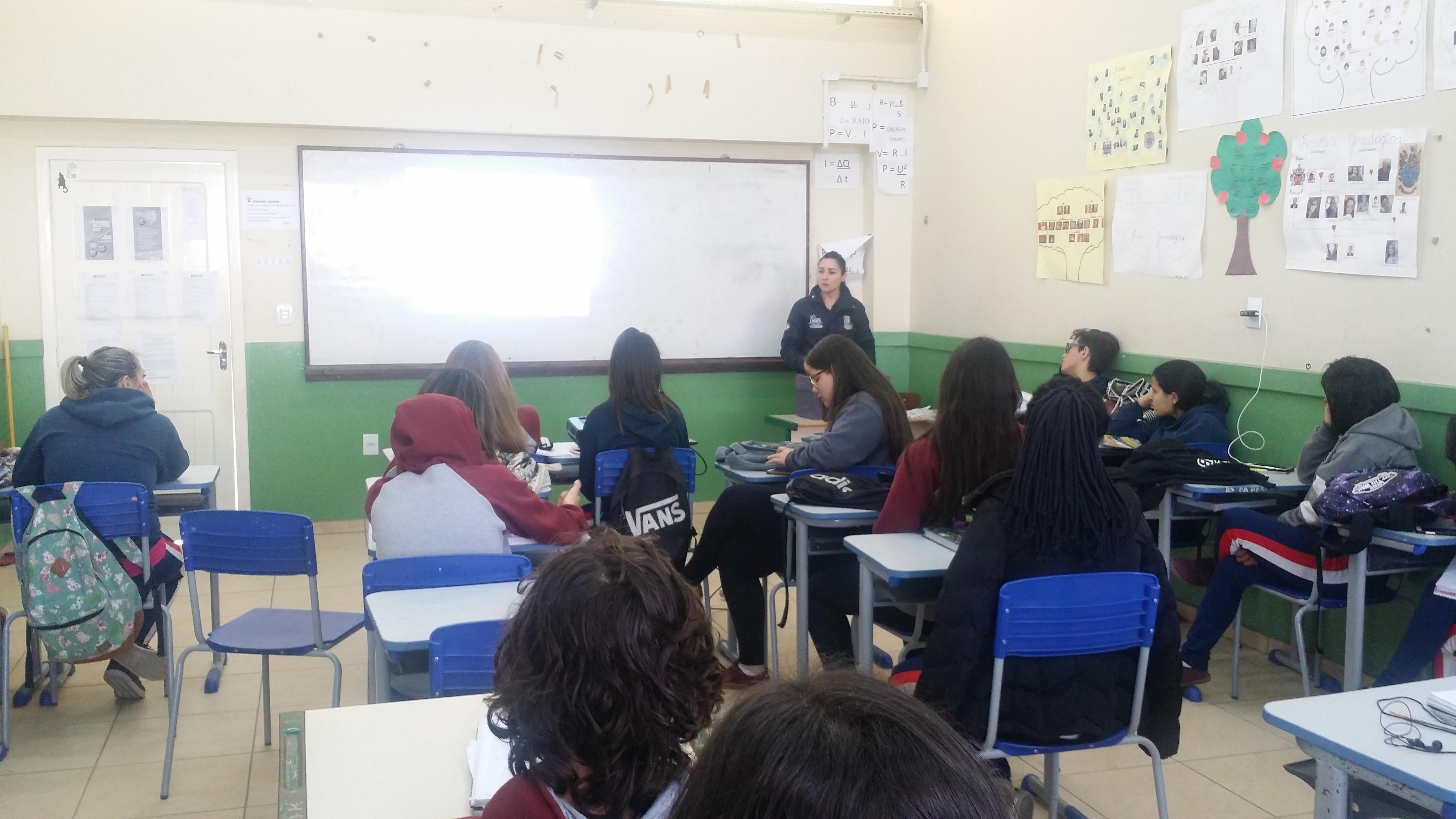 Palestra Educativa no EMEB Industrial